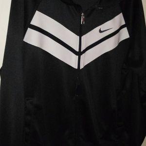 Nike zipp up